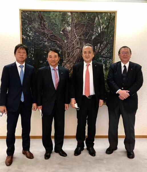横須賀ロータリークラブ名誉会員である上地市長に表敬訪問!